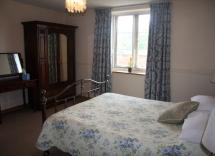 Fulbeck Gardens Cottage Kingsize Bedroom